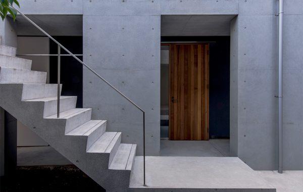西新の三世帯住宅